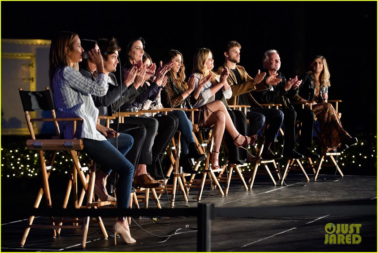 pretty little liars season seven premiere event 053684405