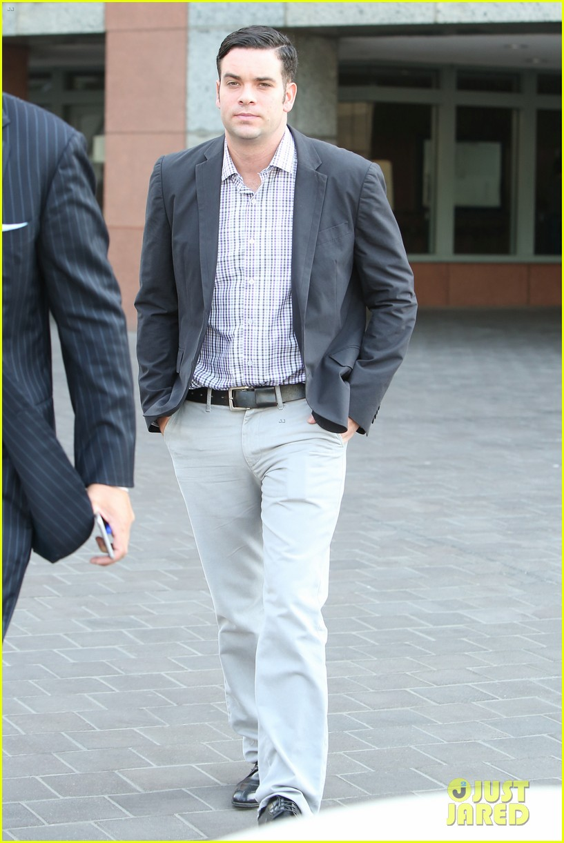mark salling heads out of court after preliminary hearing 013693656
