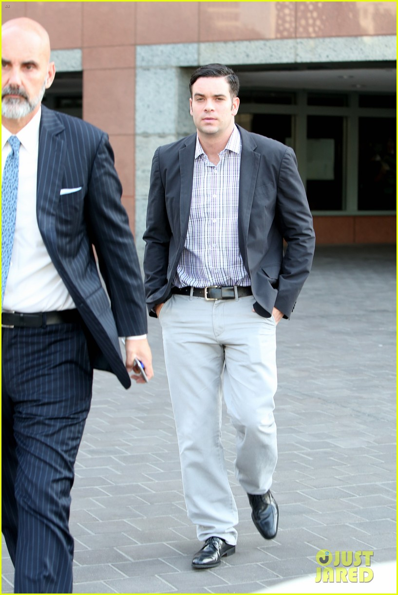 mark salling heads out of court after preliminary hearing 033693658