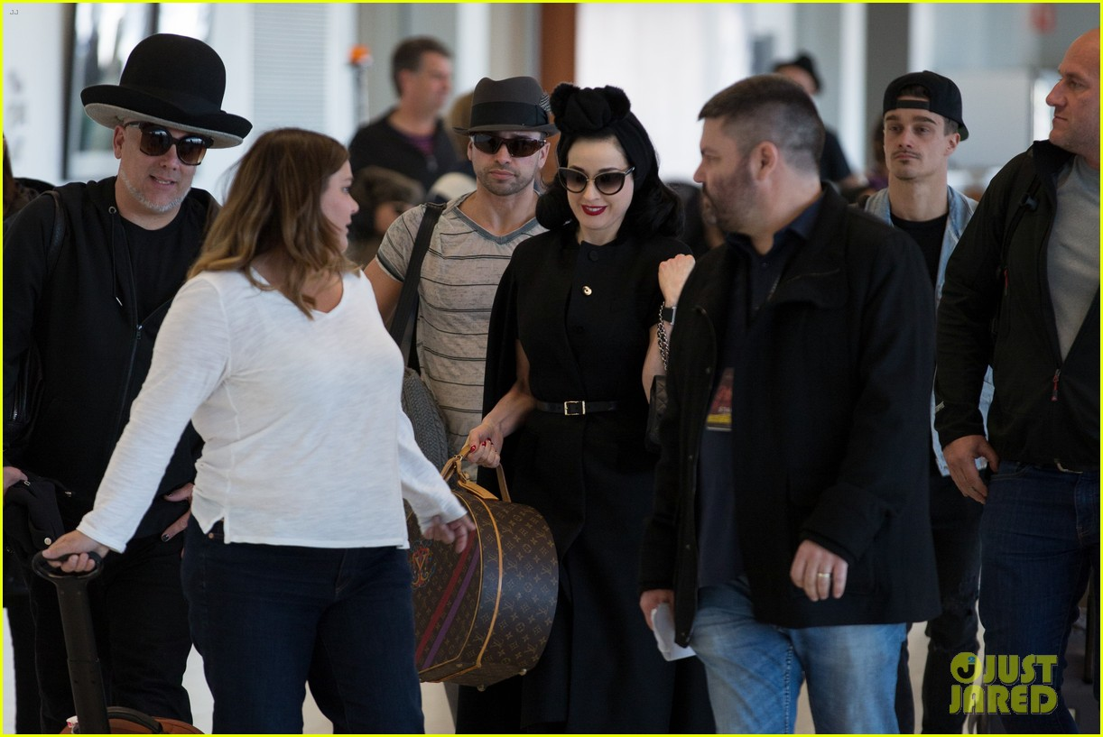 7673b2d84b2 Dita Von Teese Arrives in Australia Ahead of Burlesque Show  Photo ...