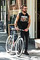 justin theroux steps out in a spring breakers movie t shirt 09