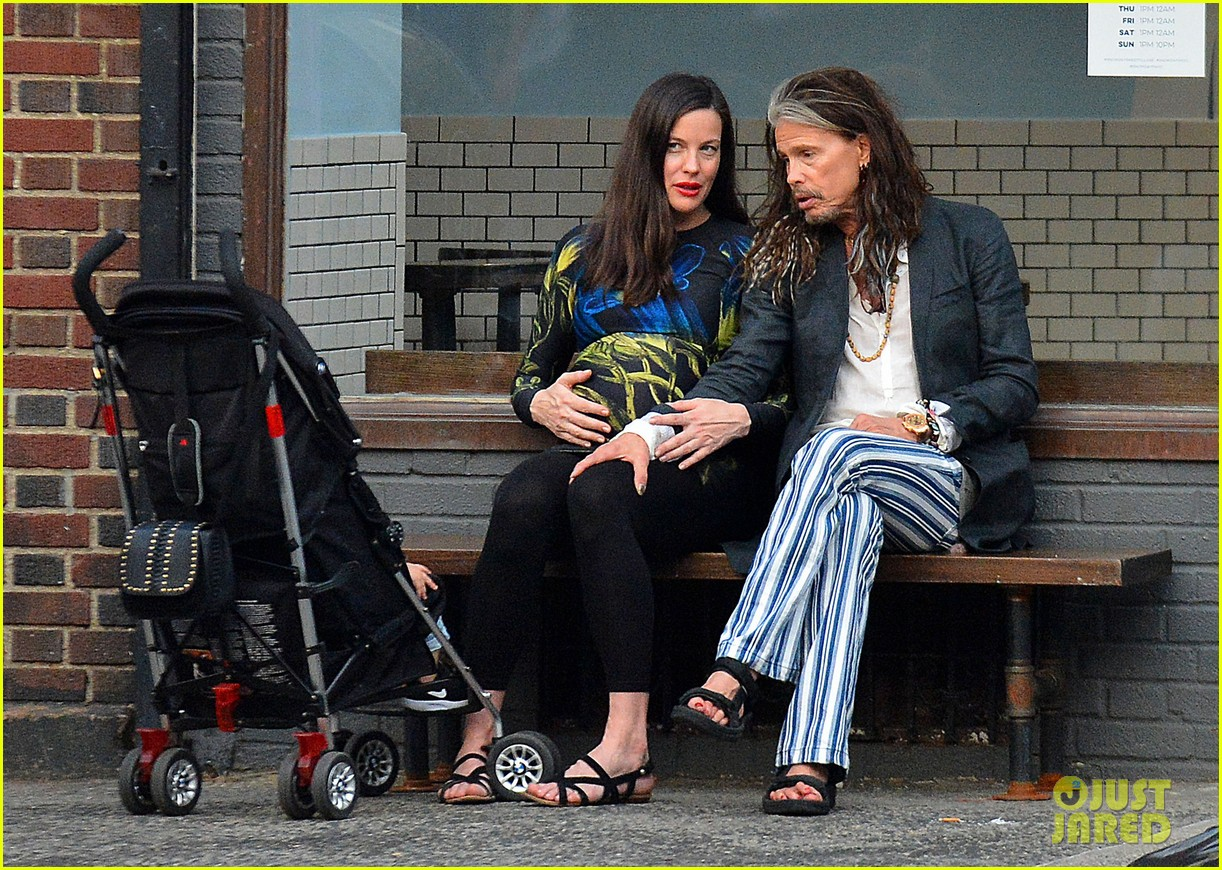 liv tyler gets in father daughter bonding with dad steven tyler 083690328