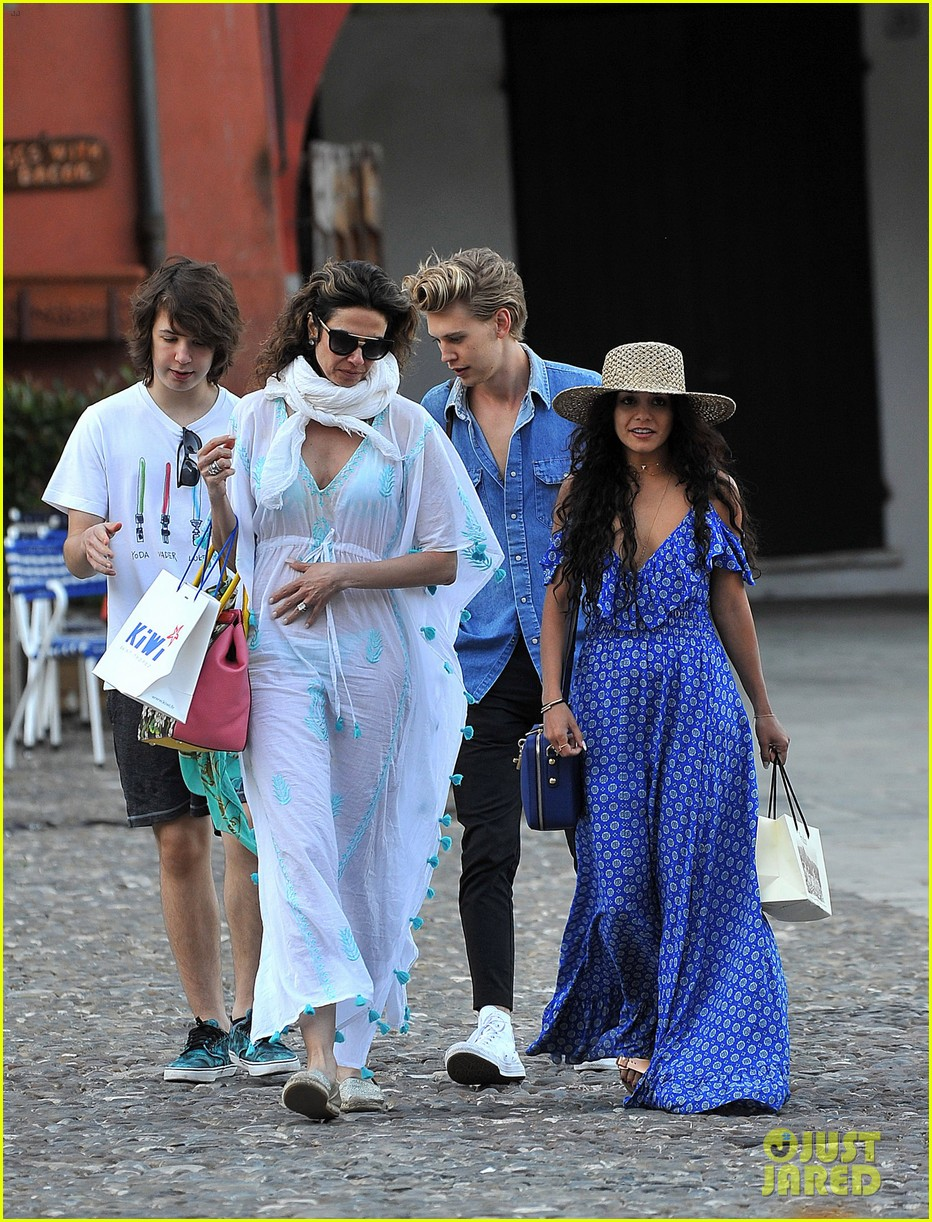 Austin Butler Shows Off Short Haircut On Italian Vacation With