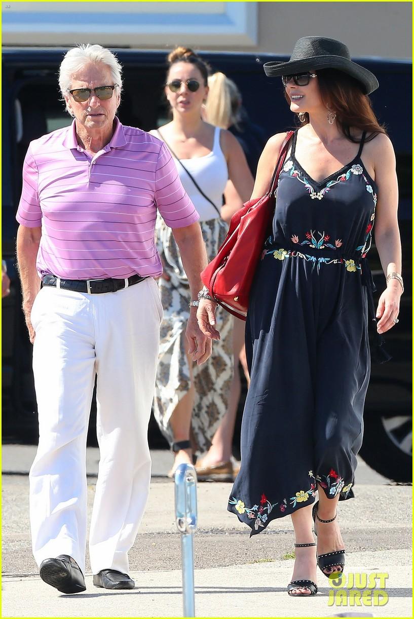 Catherine Zeta Jones Amp Michael Douglas Vacation In The French Riviera Photo 3690918