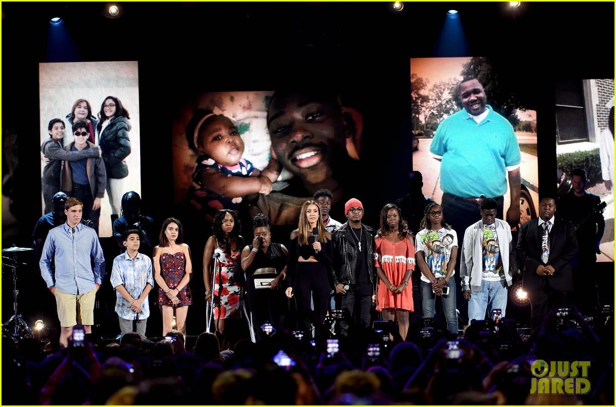 jessica violence stop the violence teen choice awards 2016 033722786