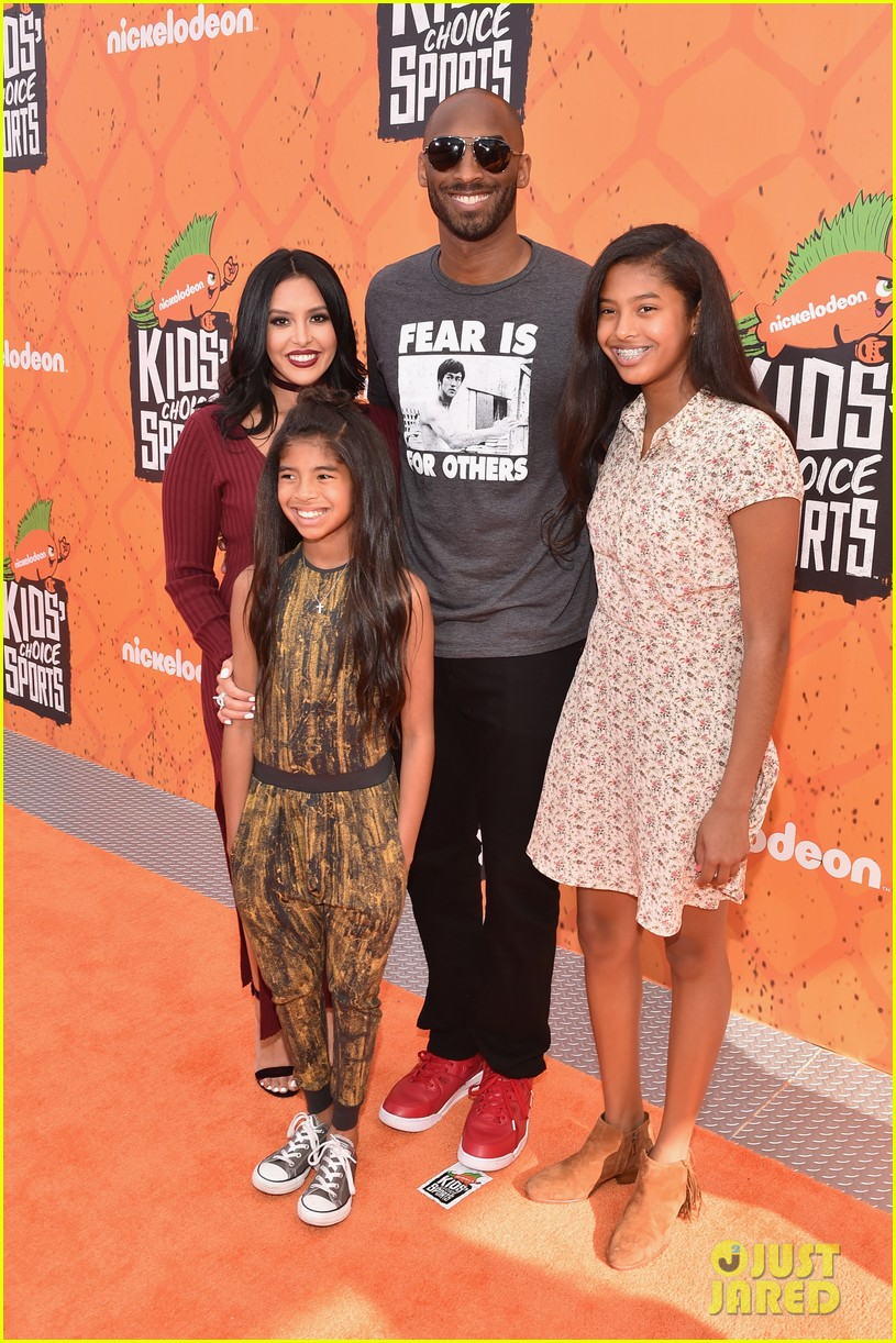 pretty nice 57f79 f05d0 ... Kobe Bryant Brings His Wife Kids to Kids Choice Sports Awards 2016! ...