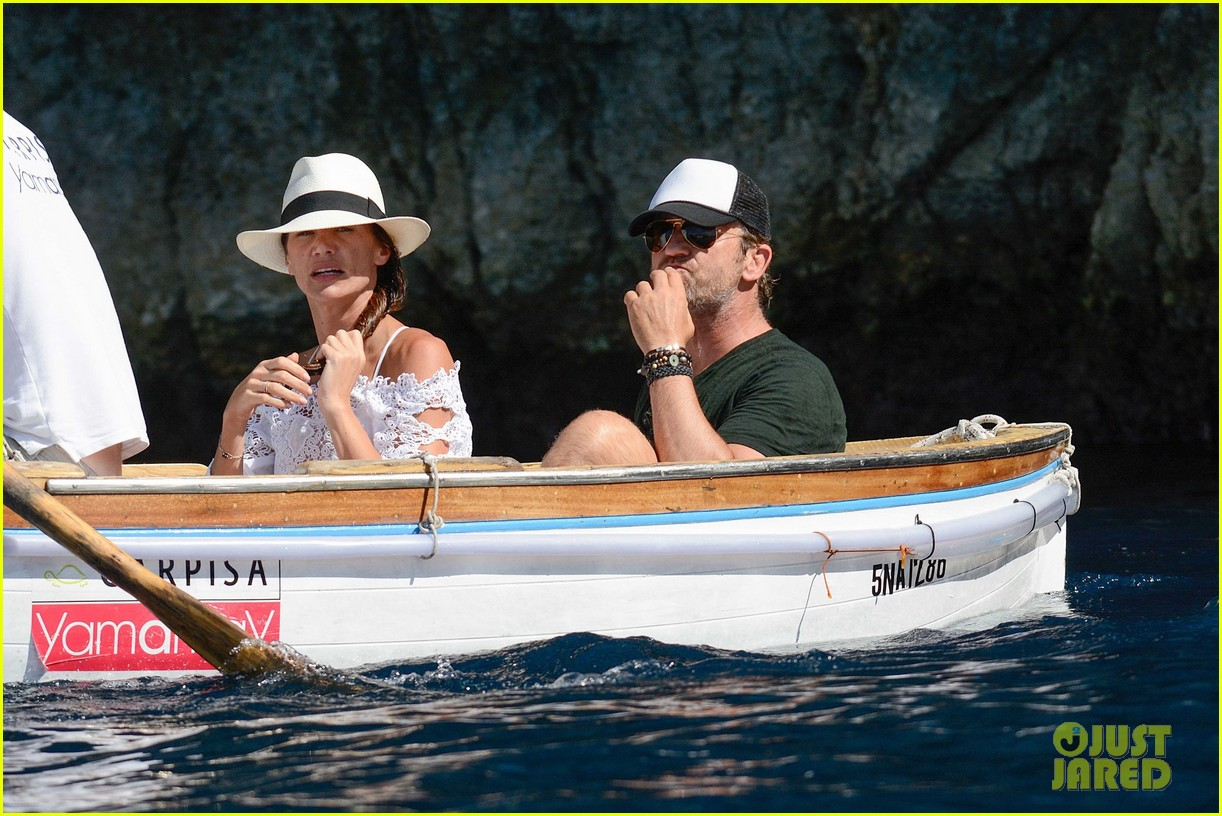 gerard butler girlfriend morgan brown romantic boat ride in italy 073706583