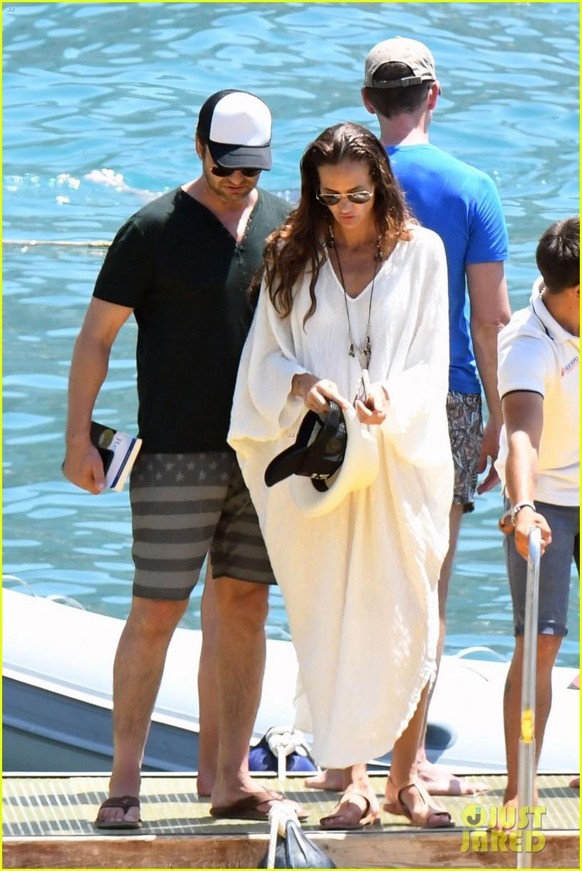 gerard butler girlfriend morgan brown romantic boat ride in italy 303706606