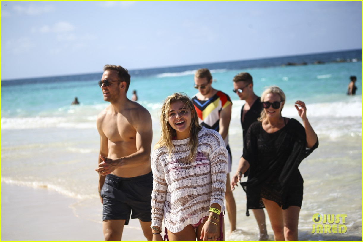 chloe moretz mia family beach birthday getaway 163702950