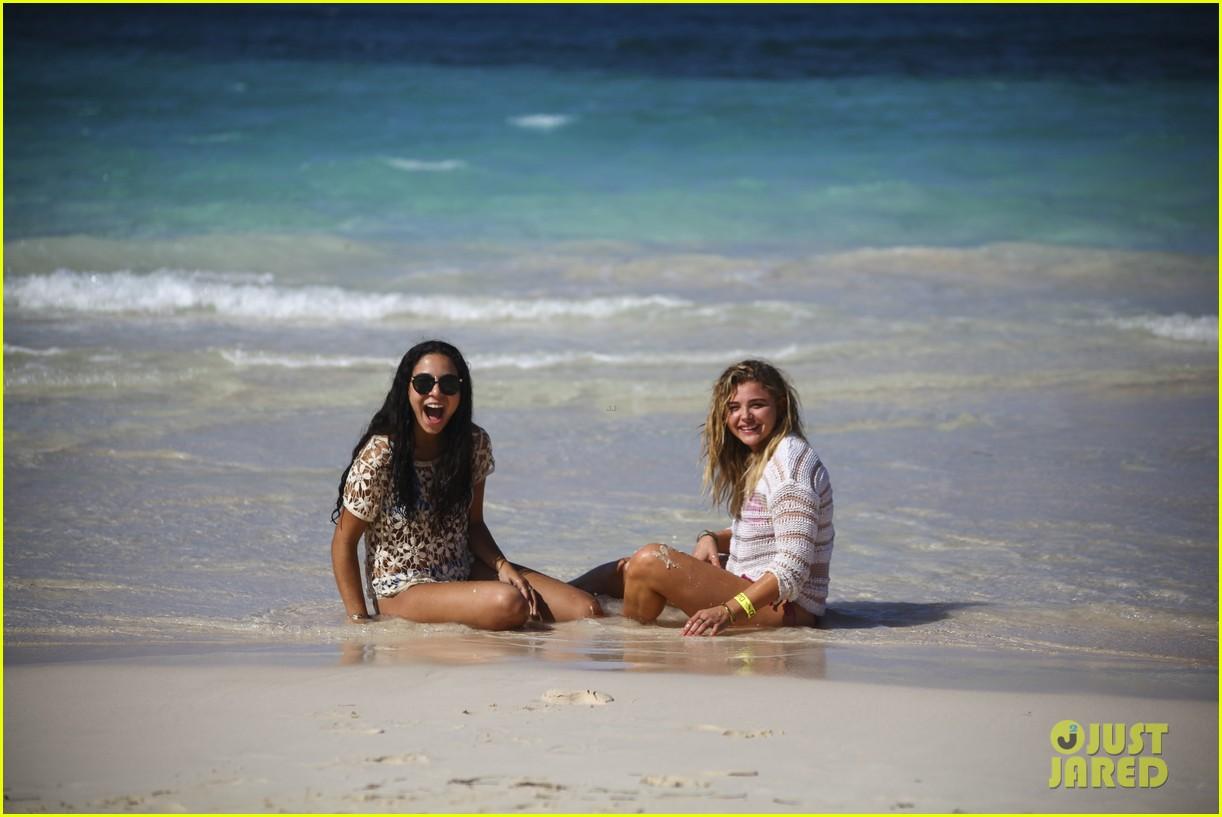 chloe moretz mia family beach birthday getaway 203702954
