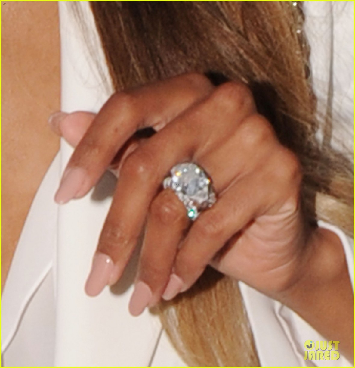 Ciara Flashes Wedding Ring While Shopping with Russell Wilson