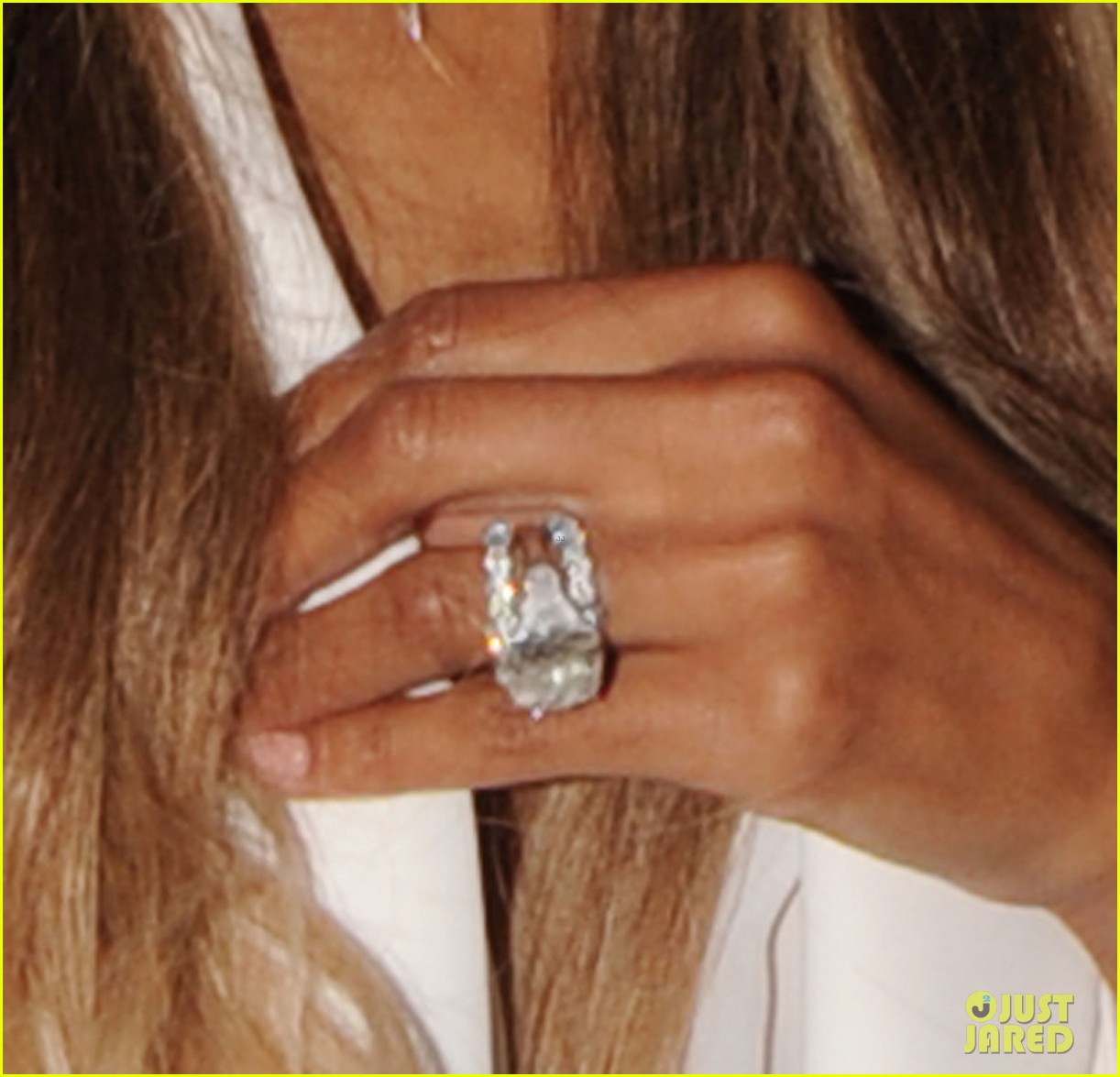 Ciara Flashes Wedding Ring While Shopping with Russell Wilson Photo