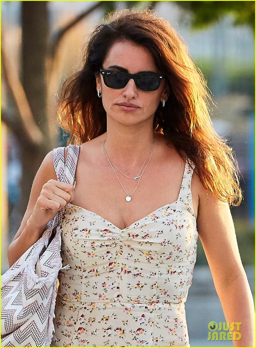 penelope cruz spreads the love with audrey hepburn and the beatles 013713571