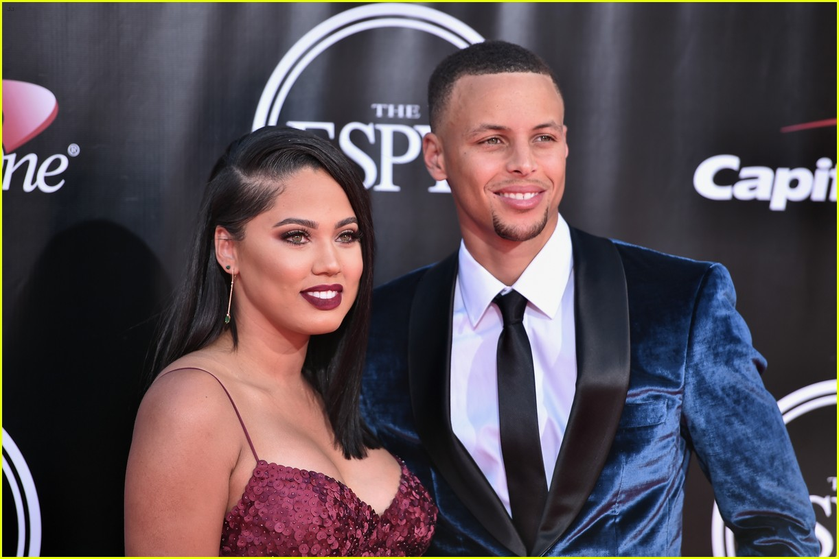 stephen curry  u0026 wife ayesha hit the espys 2016 red carpet