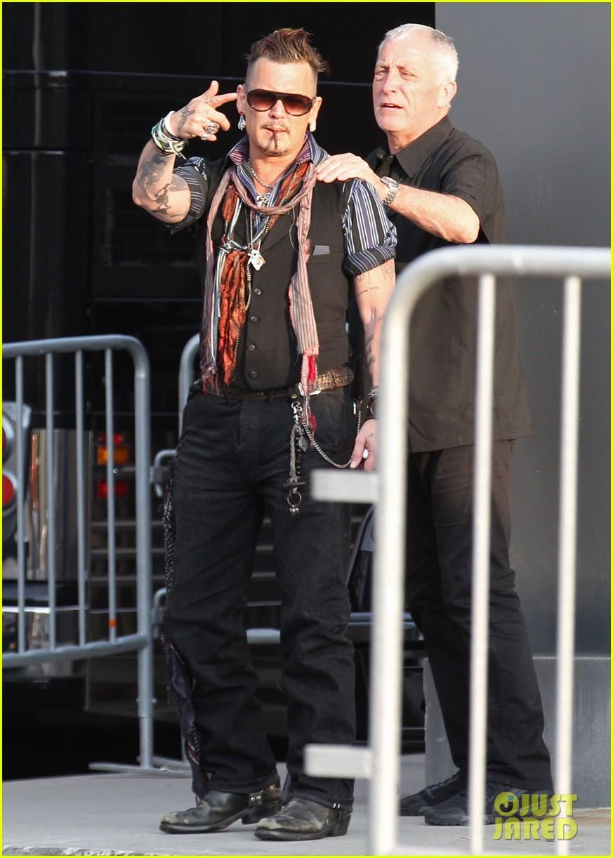 Johnny Depp Kicks Off Hollywood Vampires Tour In