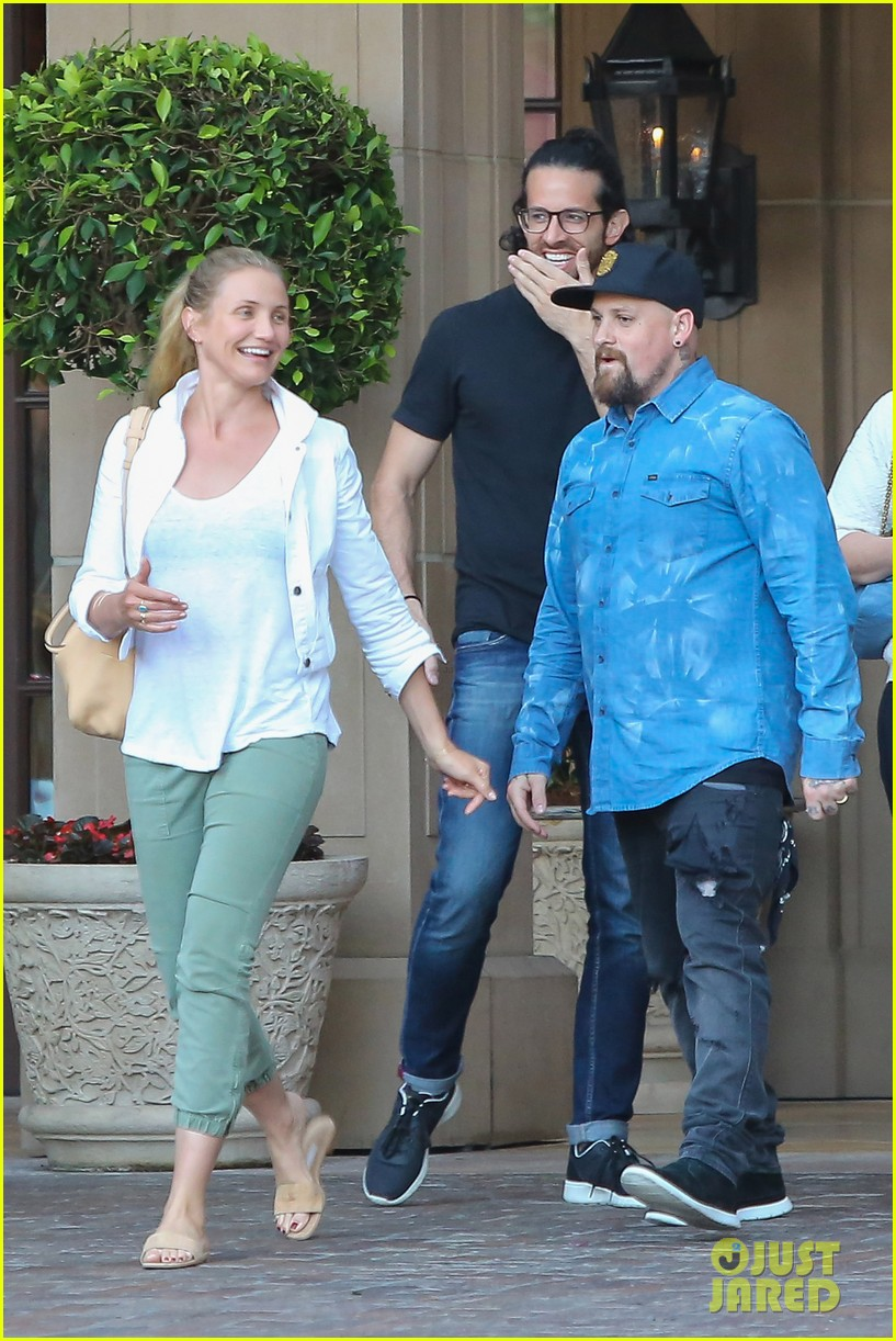 Cameron Diaz & Benji Madden Look So Happy on Double Date ...Cameron Diaz Husband