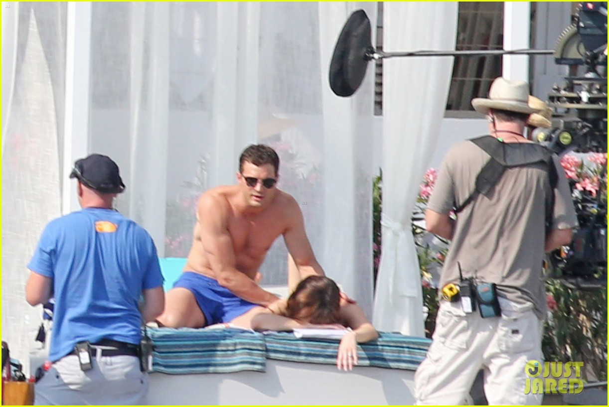 jamie dornan dakota johnson shirtless bikini fifty shades freed honeymoon 043704225