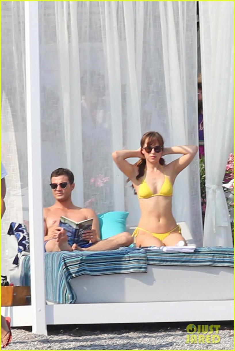 jamie dornan dakota johnson shirtless bikini fifty shades freed honeymoon 243704245