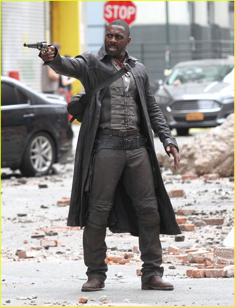 idris elba battles jackie earle haley on dark tower set 193703021