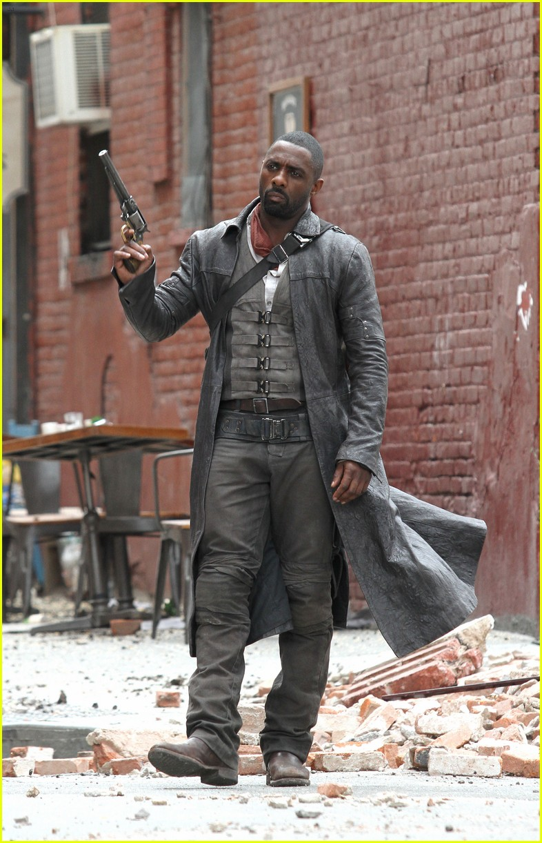 idris elba battles jackie earle haley on dark tower set 203703022