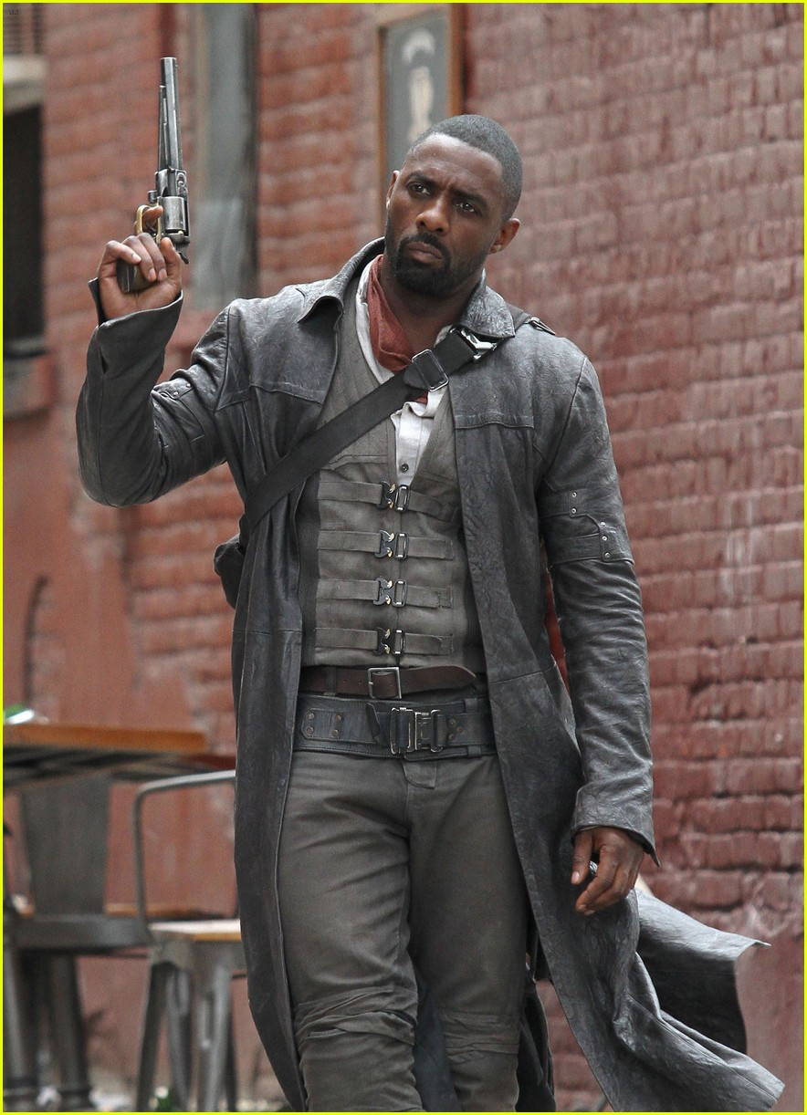 idris elba battles jackie earle haley on dark tower set 223703024