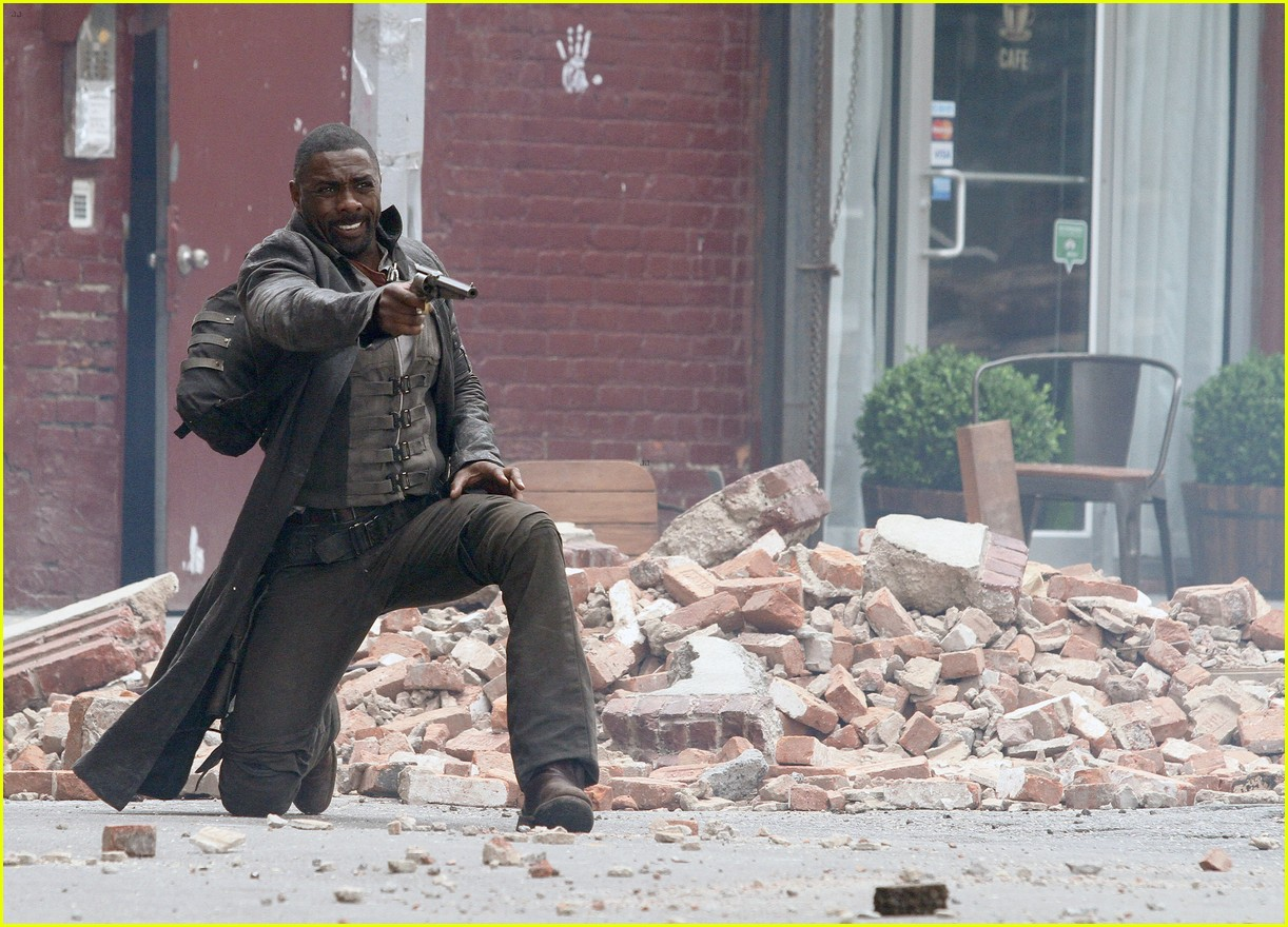 idris elba battles jackie earle haley on dark tower set 293703031