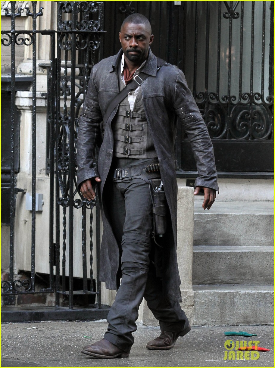 idris elba spotted as the gunslinger on dark tower nyc set 013697096