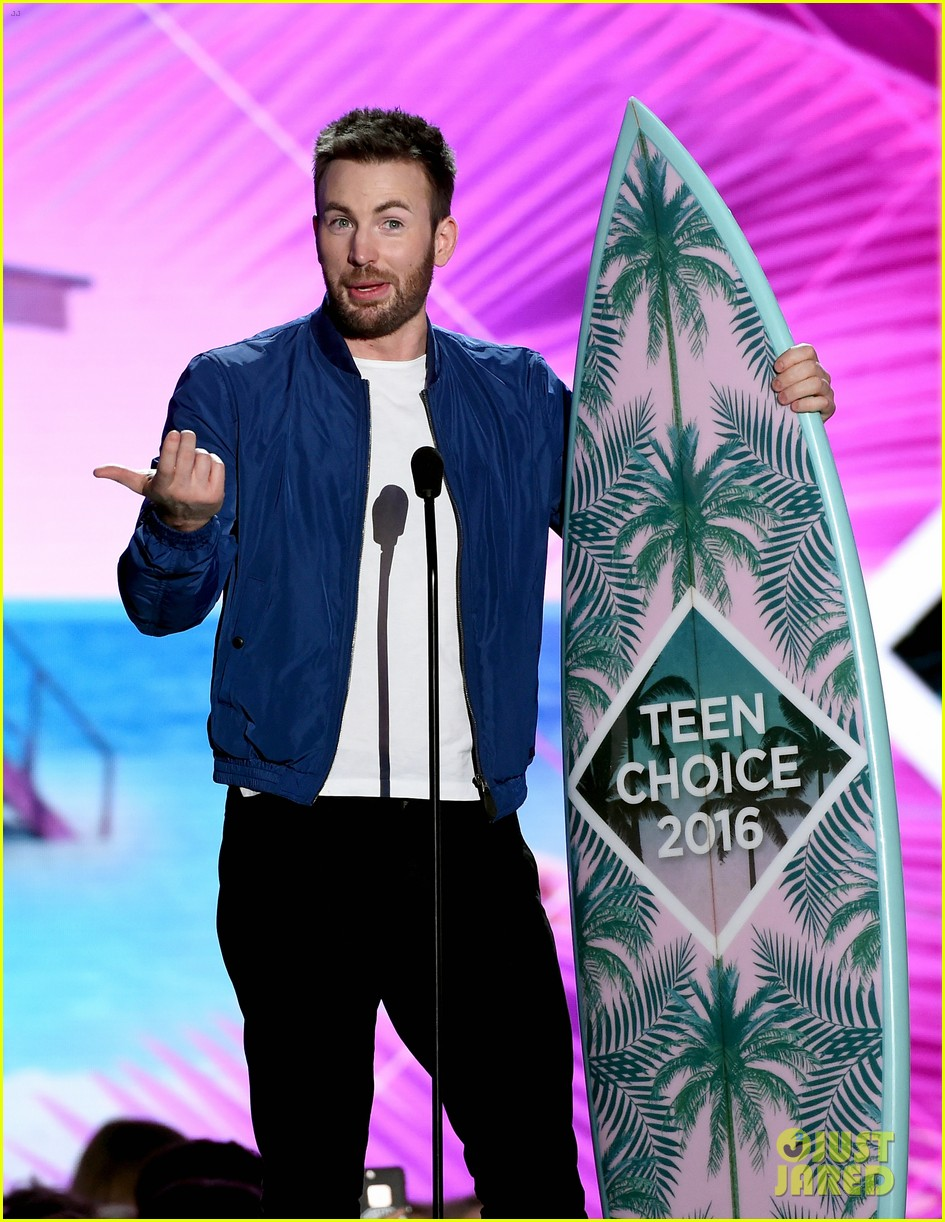 chris evans teen choice awards 2016 043722610