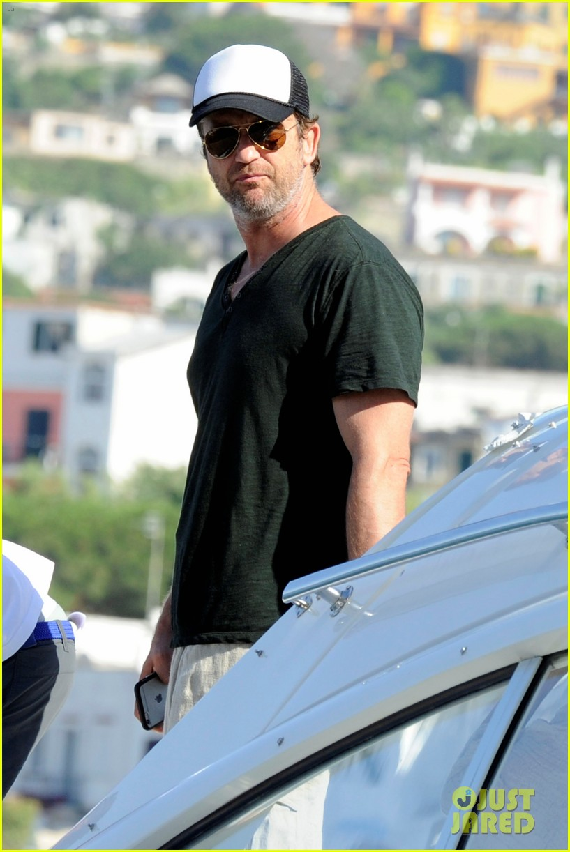 gerard butler couples up with morgan brown in italy 033703984