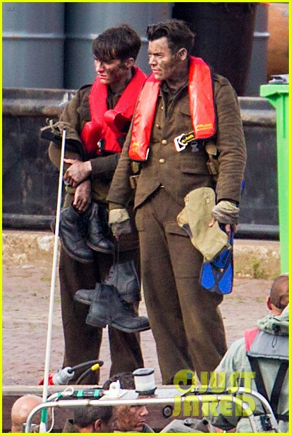 harry styles gets dirty on the set of dunkirk 033705652