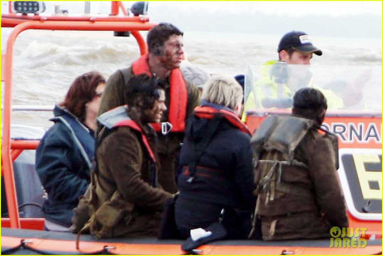 harry styles gets dirty on the set of dunkirk 063705655