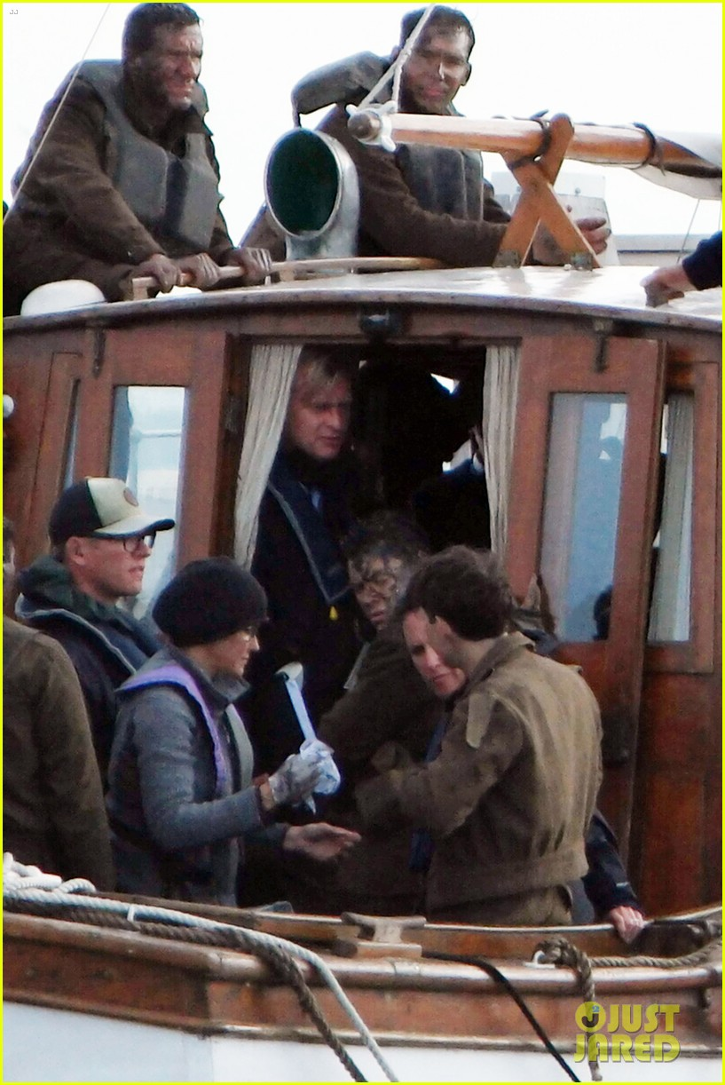harry styles gets dirty on the set of dunkirk 133705662
