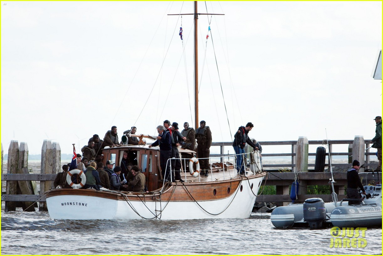 harry styles gets dirty on the set of dunkirk 313705680