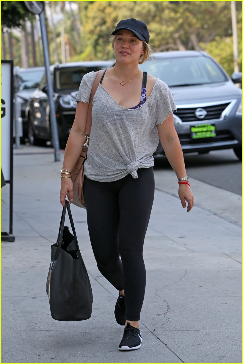 hilary duff fresh faced makeup free 033721994