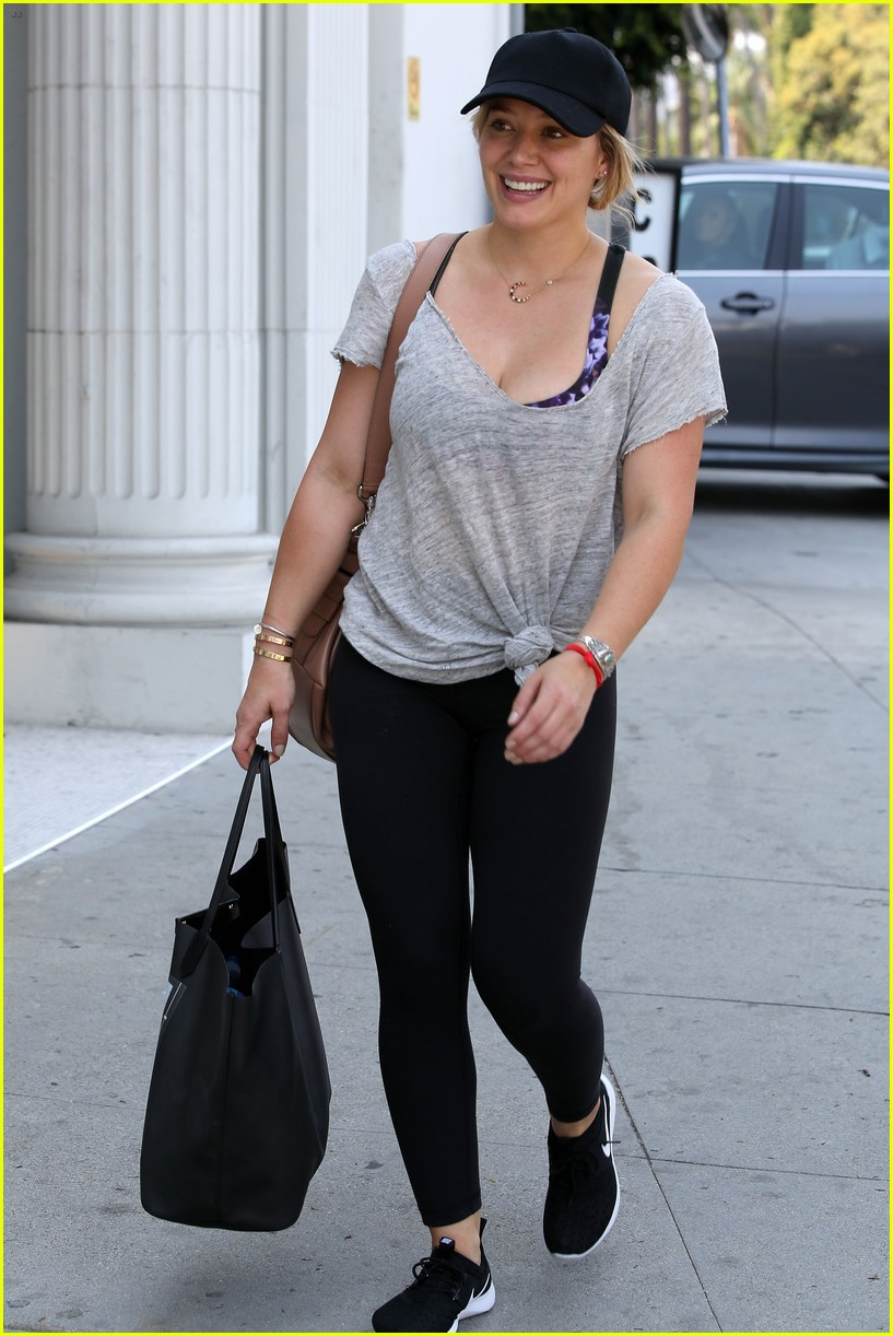 hilary duff fresh faced makeup free 053721996