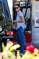 katie holmes gasses up truck 12