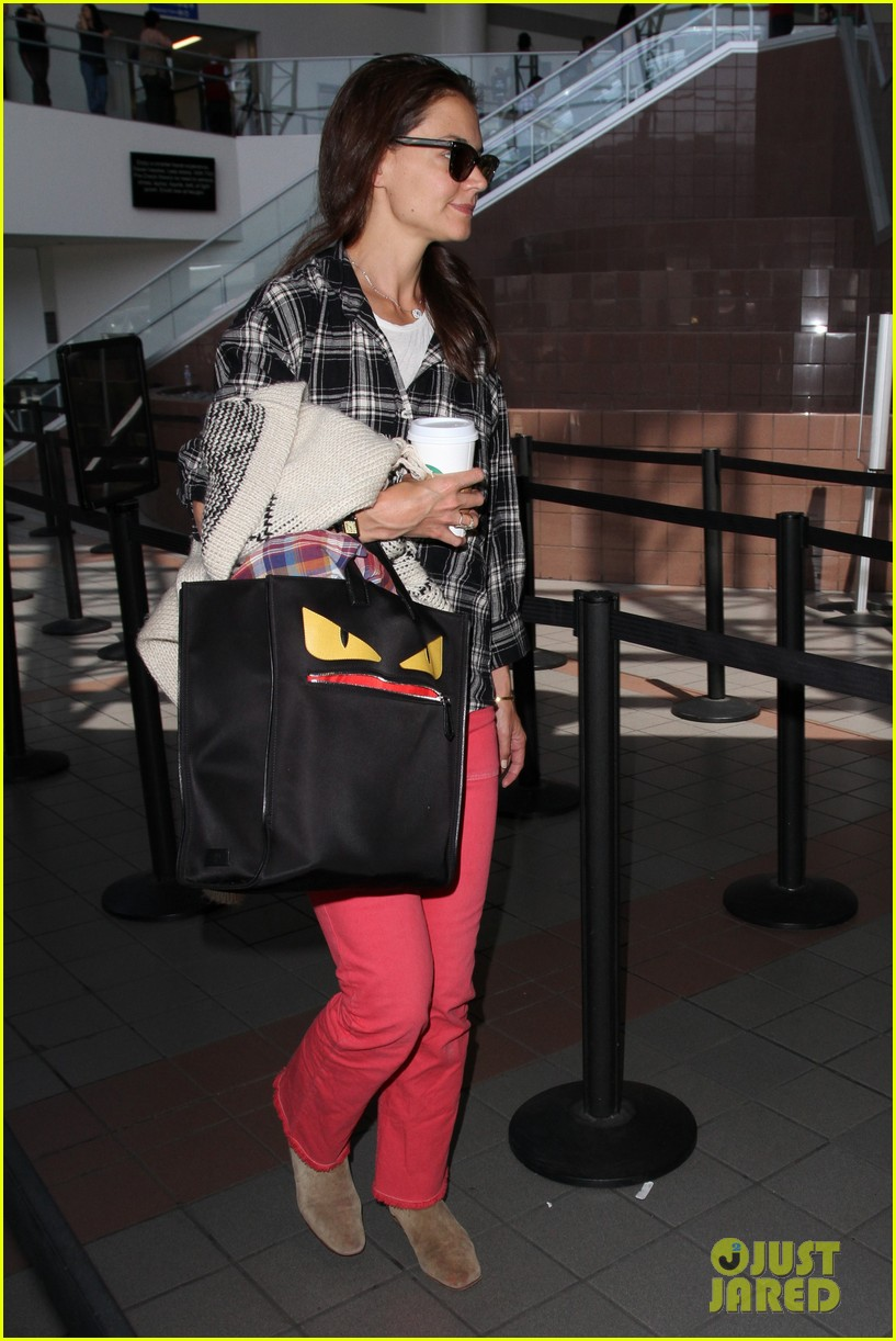 katie holmes goes solo upon arrival in los angeles 203696306