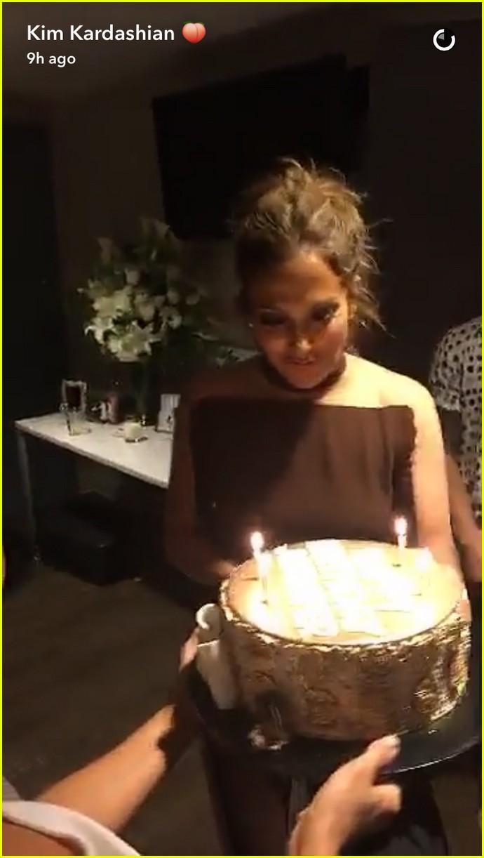Kim Kardashian Amp Calvin Harris Help Celebrate Jennifer