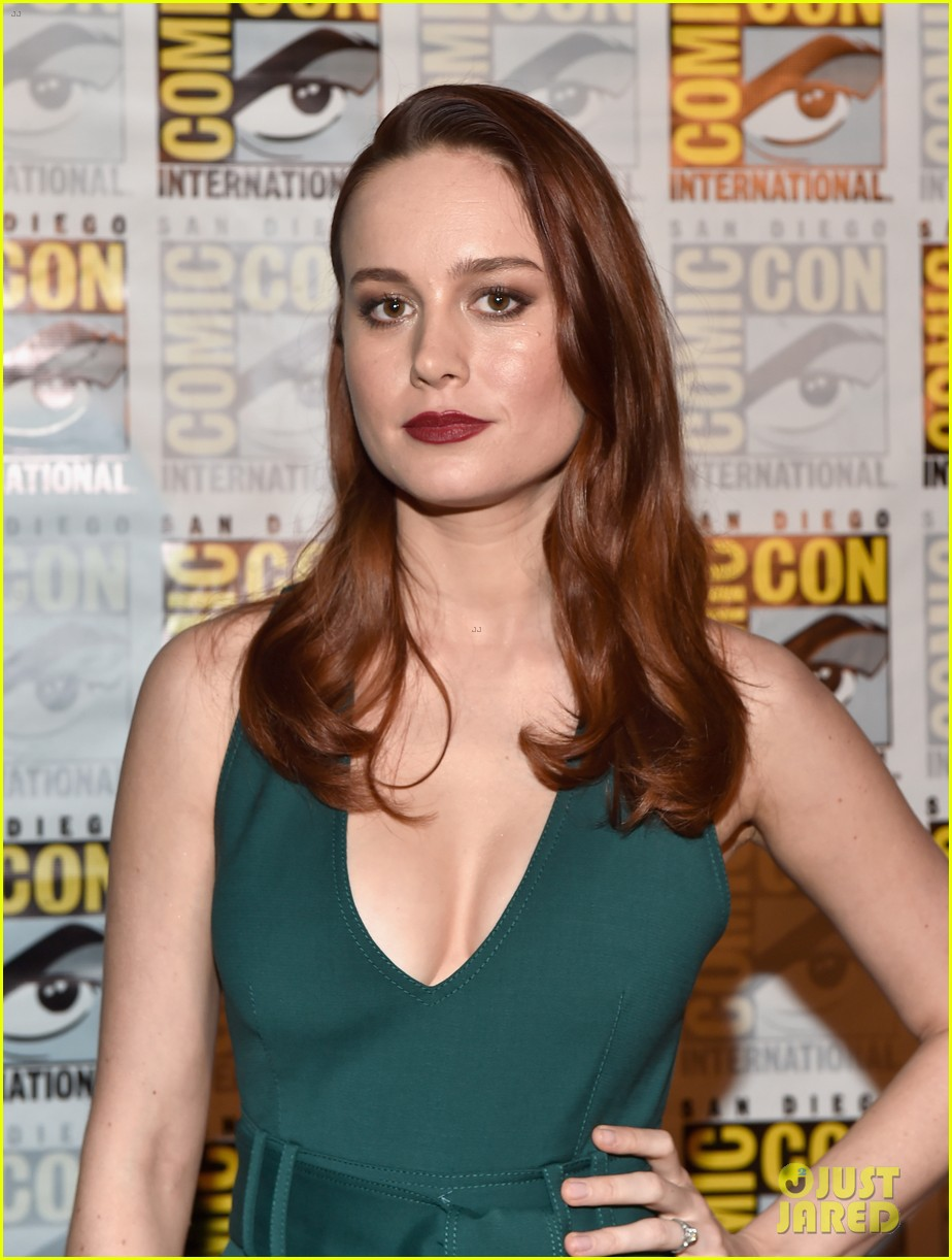 brie larson joins the women of marvel for epic comic con pic 023715736