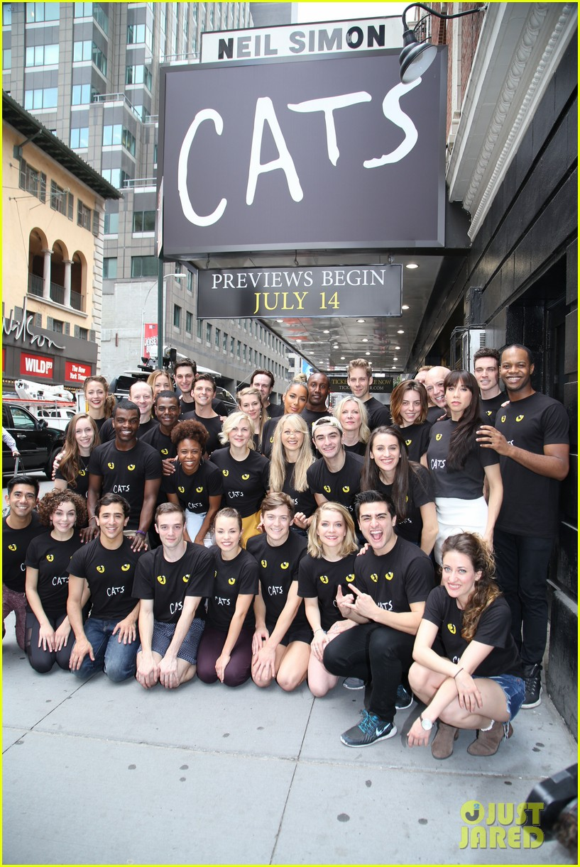 leona lewis makes her broadway debut in first cats preview 013707602