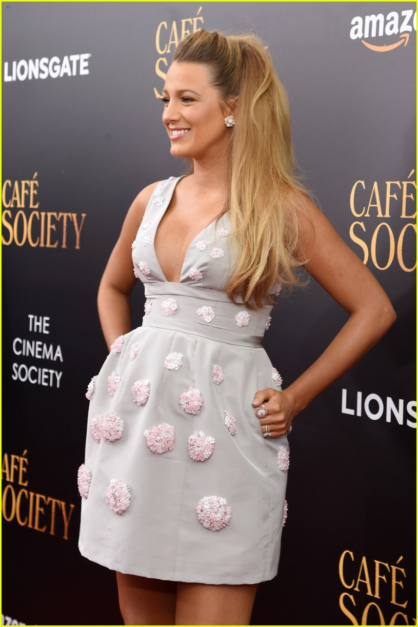 blake lively cafe society premiere 043705863
