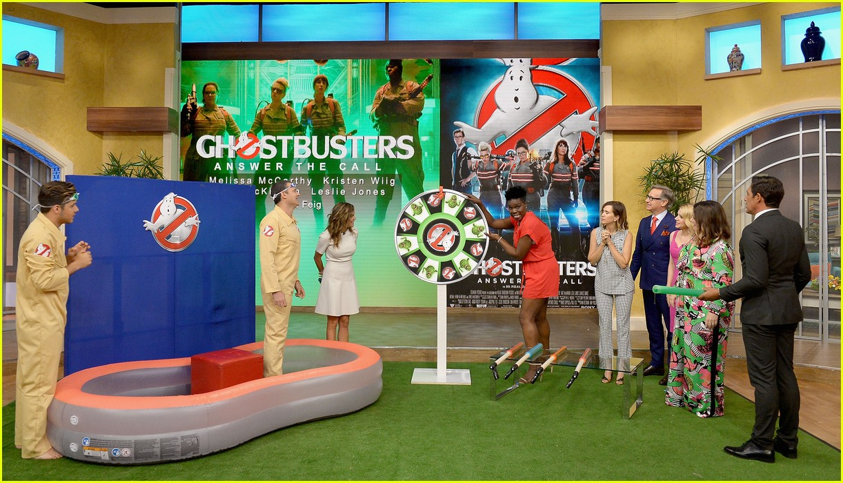 melissa mccarthy has had a real life experience with ghosts 133703873