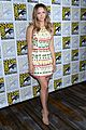katharine mcphee goes to comic con brings dog wilma 01