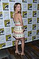 katharine mcphee goes to comic con brings dog wilma 21