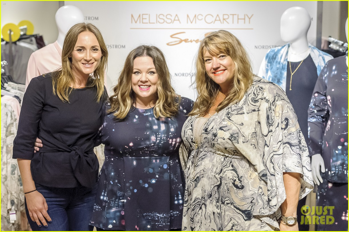 3d1a512a582 Melissa McCarthy Discusses Her Fashion Line with Chelsea Handler ...