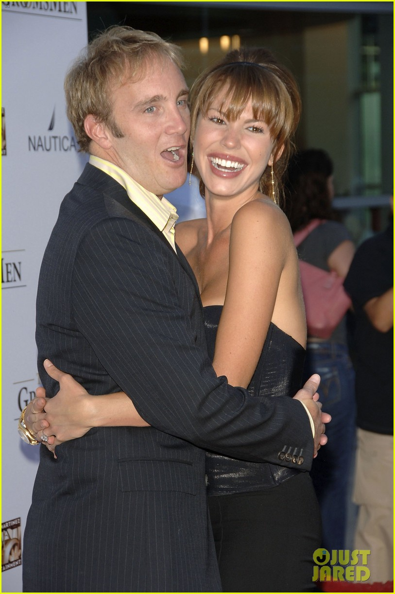 jay mohr files for divorce from nikki cox 043713327