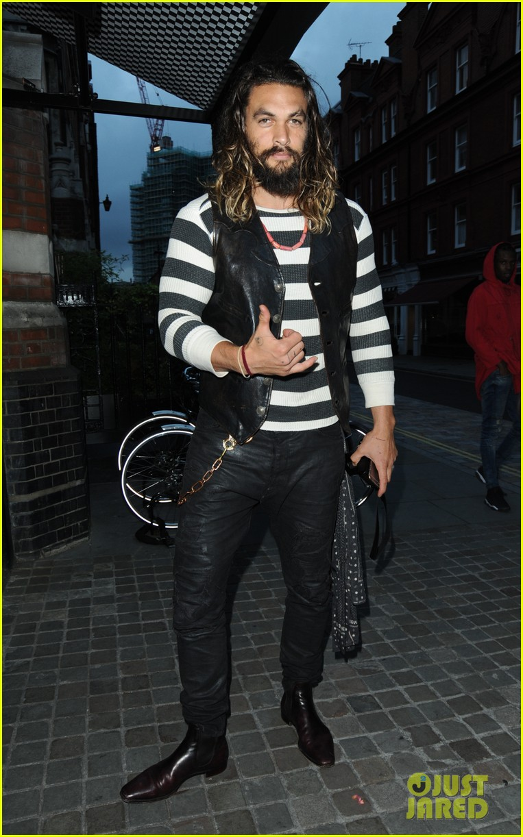 Screenshot in addition Jason Momoa Aquaman Movie Finds A Writer furthermore Date Night Kit further Image likewise Article Df X. on giving money