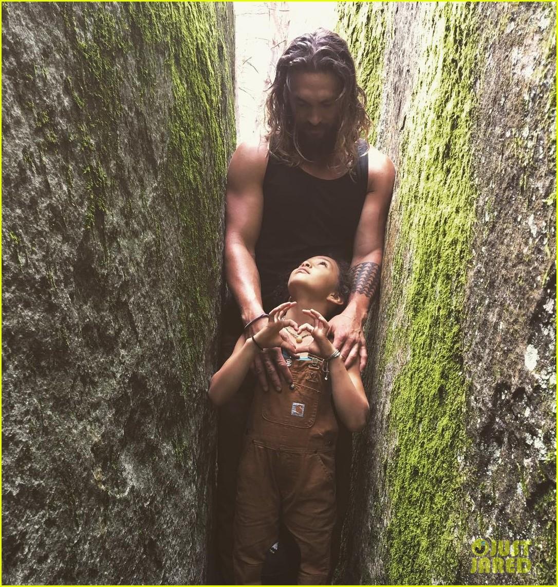 Jason Momoa Shares Loving Pic Of Zoe Kravitz & Kids
