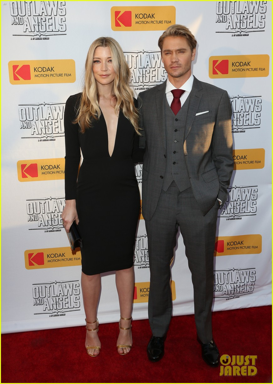 chad michael murray gets support from awesome wife sarah roemer at outlaws angels 063705244