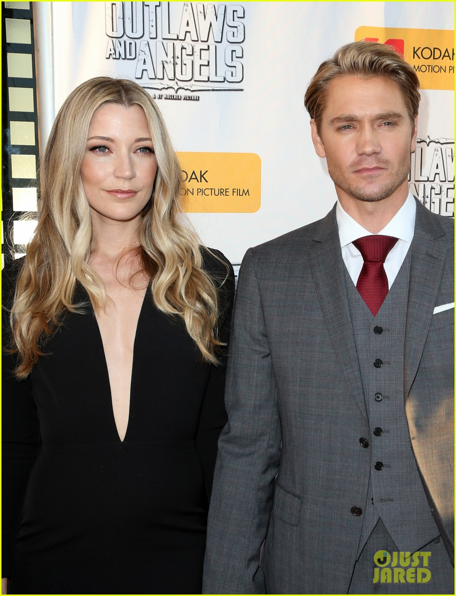 chad michael murray gets support from awesome wife sarah roemer at outlaws angels 073705245